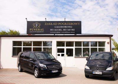 Zdjęcie z zewnątrz siedziby zakładu pogrzebowego Funeral w Pułtusku