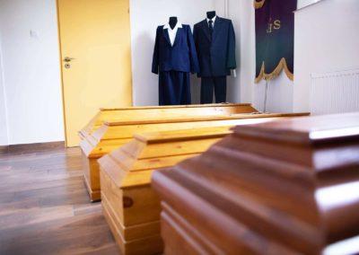Trumny w zakładzie pogrzebowym Funeral w Pułtusku